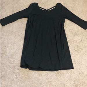 BLACK tunic top with criss cross back w/ pockets